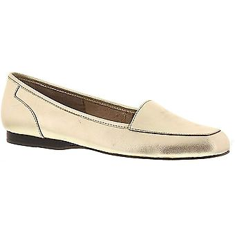 ARRAY Womens Freedom Closed Toe Loafers