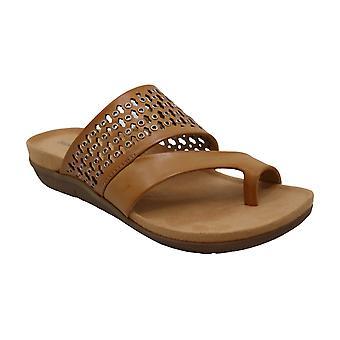 Baretraps Juny Flat Sandals Women's Shoes