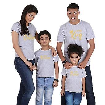 Far mor dotter son krona t skjorta och familj matchande uppsättningar