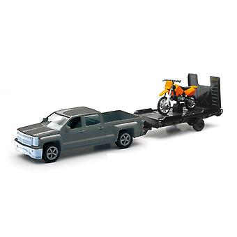 Chevrolet Silverado moulé sous pression Pick Up w / remorque moto (échelle 01:43)