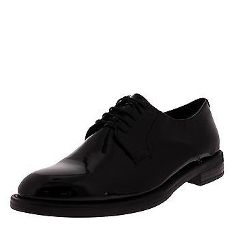 Naisten Vagabond Amina kiiltonahka työ Office tasainen suljettu Toe kengät