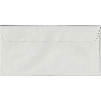 Witte hamer Peel/Seal DL gekleurde witte enveloppen. 100gsm FSC duurzaam papier. 110 mm x 220 mm. portemonnee stijl envelop.