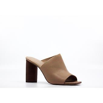 Pour La Victoire   Helenavl Natural 101 Helen Vachette Leather Heels