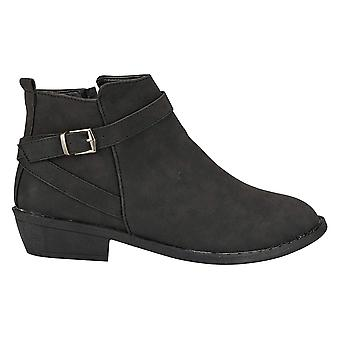 Naisten ahdistunut PU nilkkurit hihna yksityiskohdat muoti kengät