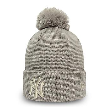 New Era Women's Winter Hat Bommel Beanie - NY Yankees Grey