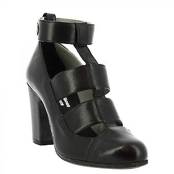 Leonardo Shoes Women's handmade heeled ankle boots in black calf leather buckle