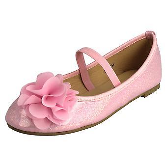 Miejscu dziewczyny na kwiat wykończenia baleriny buty H2392