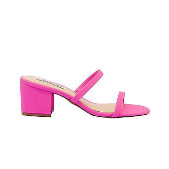 Steve Madden Issyneonpink Kvinnor & apos; s Pink Faux Läder Sandaler