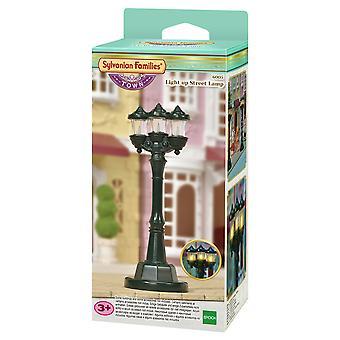Cidade das famílias sylvanianas - acender lâmpada de rua