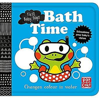 First Baby Days: Bath Time: A book that changes colour in water (First Baby Days)