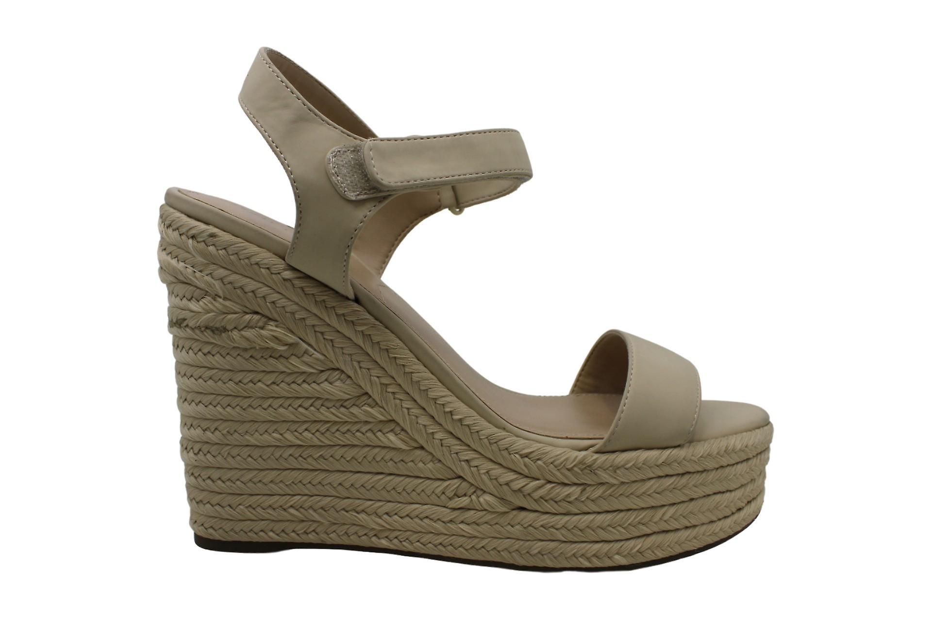 KENDALL - KYLIE Womens Grand Open Toe Casual Platform Sandals