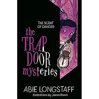 The Trapdoor Mysteries: The� Scent of Danger: Book 2 (The Trapdoor Mysteries)