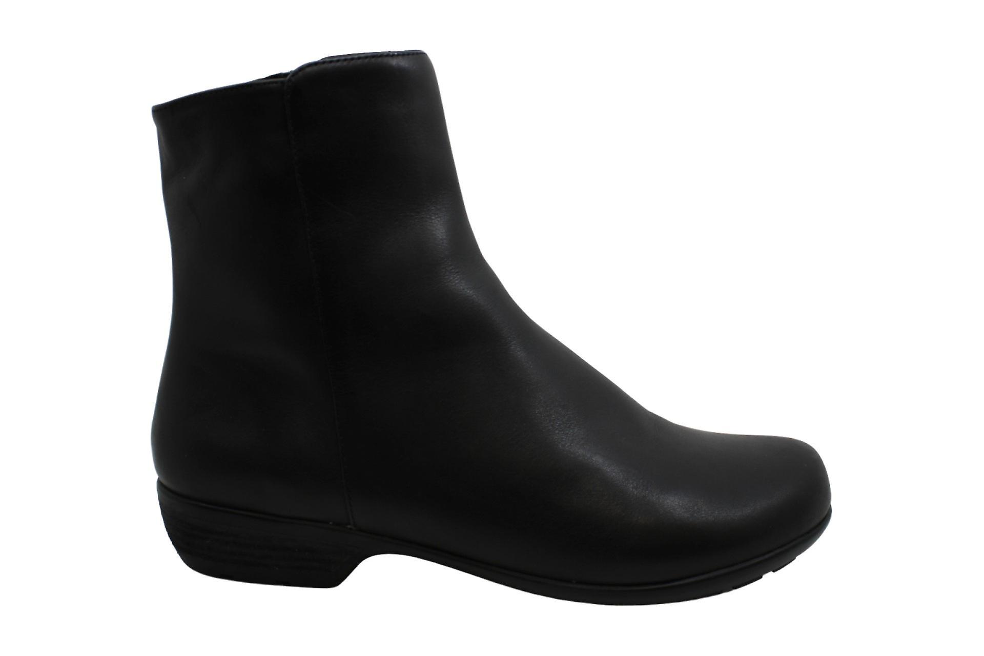 Walking Cradles Elsie Black Leather 11 M (B)
