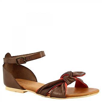 Leonardo Kengät Naiset&s käsintehdyt litteät sandaalit brandy punaista vuohennahkaa nilkan hihnalla