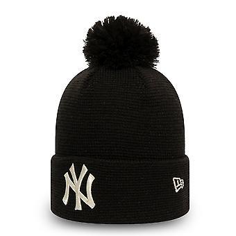 New Era Women's Winter Hat Bommel Beanie - NY Yankees Black