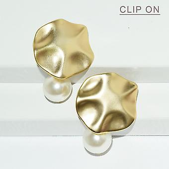 Disc & Pearl Drop Clip On