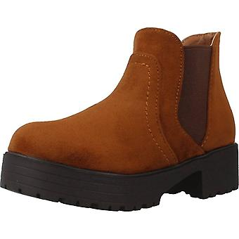 Different Boots 4216 Color Camel