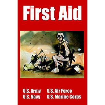 Eerste hulp door Amerikaanse leger & US Navy & en US Air Force