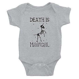 Dood is Megical Unicorn skelet grappige Halloween Baby Romper cadeau grijs