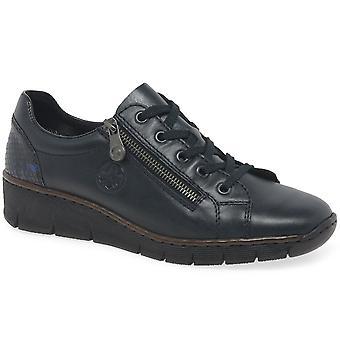 ريكر حارس أحذية النساء