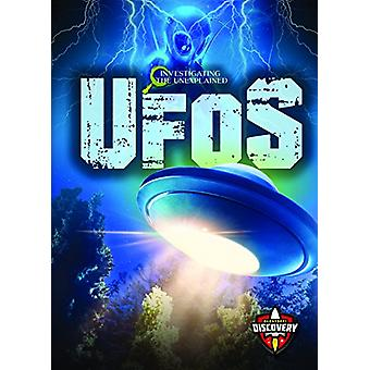 UFOs by Emily Rose Oachs - 9781626178564 Book