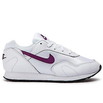 Outburst White/Bright Grape Sneakers