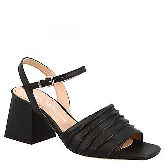 Leonardo Shoes Women's handmade squared heels sandals in black leather with buckle closure