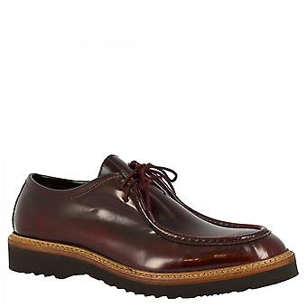 Men's handmade lace-ups shoes in burgundy patent calf leather
