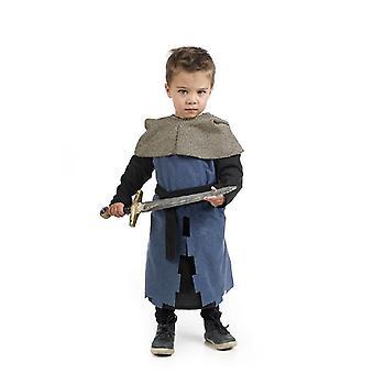 Pequeño niño caballero espadachín joven traje del