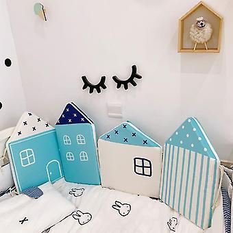 Vauvansängyn puskurin sivut pinnasängyssä, pieni talon kuvio, vastasyntyneen huoneen sisustus,