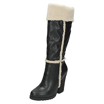 Ladies Down To Earth High Leg Boot F5975