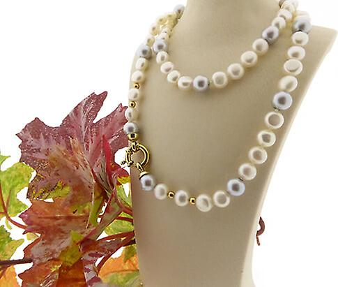 Freshwater Pearl Necklace with gold lock