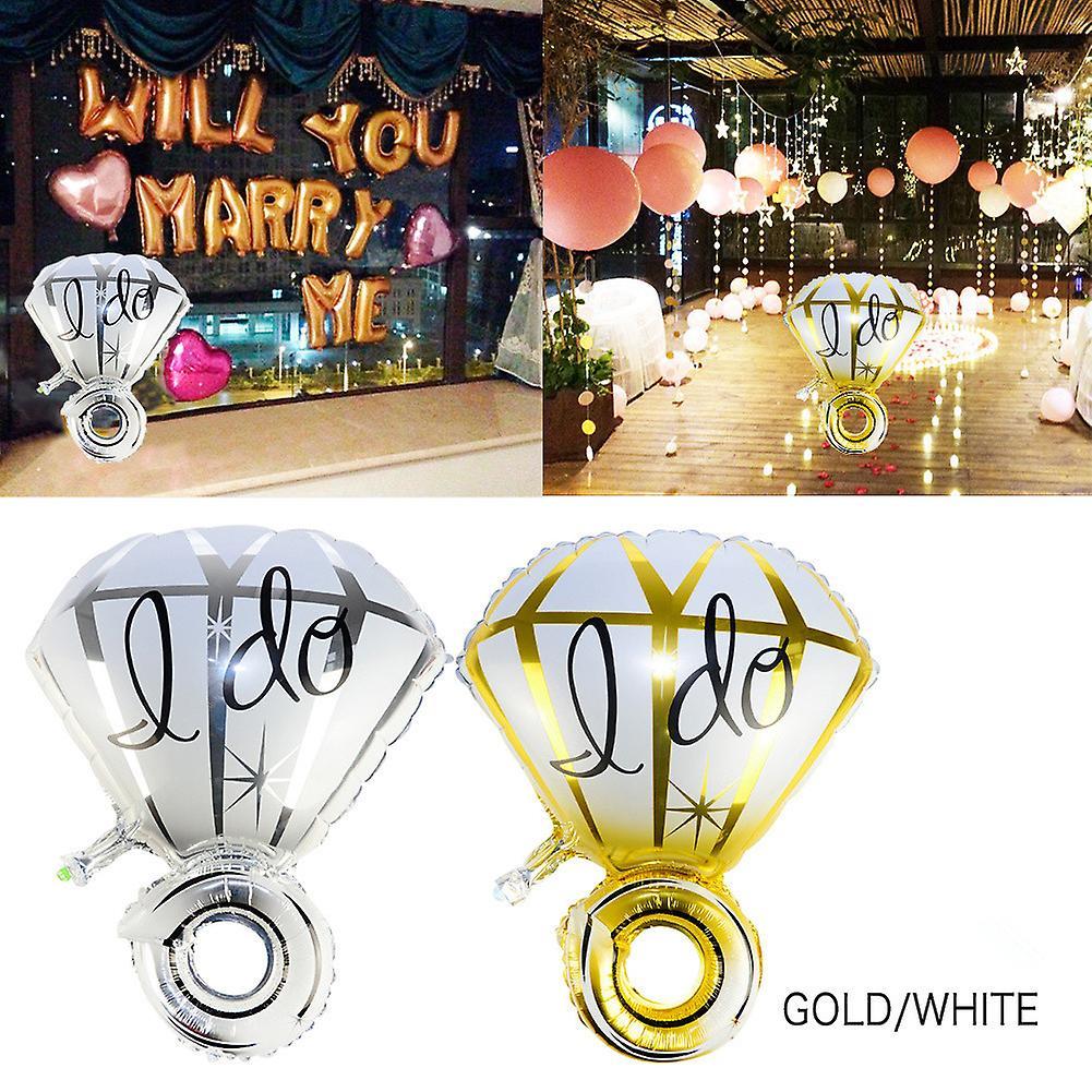 TRIXES Wrist Diamond Ring Foil Balloon Gold