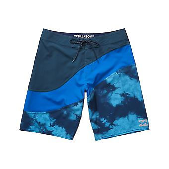 Billabong Pulse X Mid Length Boardshorts en bleu