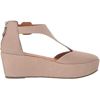 Gentle Souls Women's Nydia Platform Wedge with T-Strap