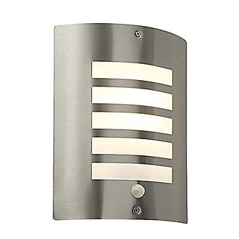 Saxby Lighting Bianco PIR - Lampe murale extérieure IP44 60W En acier inoxydable brossé & Opal PIR1 Light IP44 - E27