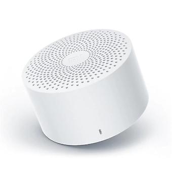 Valkoinen bluetooth-kaiuttimen tekoälyohjaus langaton kannettava ministereobasso mikrofonilla