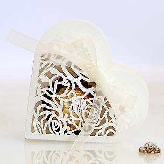 50st Love Heart Laser Cut Hollow Carriage gynnar gåvor Blomma Godis Dragee Lådor med band Baby Shower Wedding Party Supplies