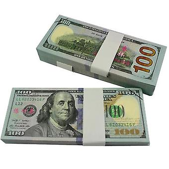 Play money-100 US dollars (100 banknotes)