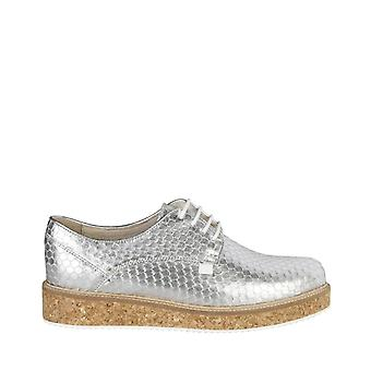 Woman leather sneakers shoes t88151