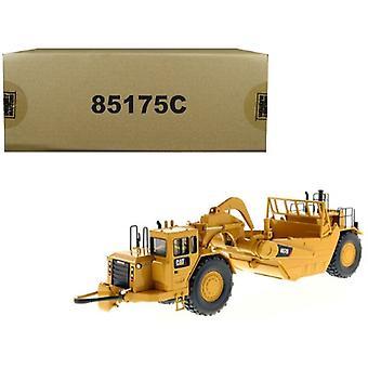 CAT Caterpillar 657 G Wheel Tractor Scraper avec Operator Core Classics Series 1/50 Diecast Model par Diecast Masters