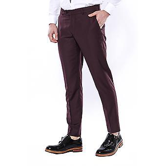Tavalliset viininpunaiset housut