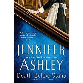 Død under trappen (under trappen mysterium)