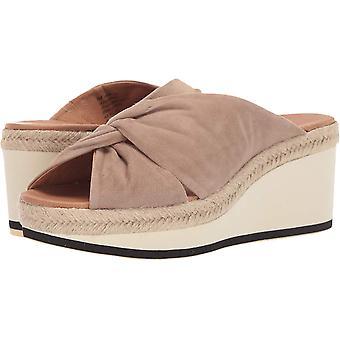 André Assous Womens Prune Suede Peep Toe Casual Platform Sandals