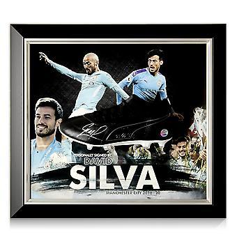 David Silva allekirjoitti jalkapallosaappaan Manchester Cityn esityksen. Kehystetty