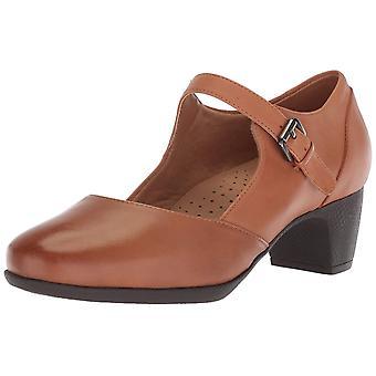 SoftWalk Womens Irish II Leather Closed Toe Mary Jane Pumps