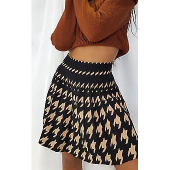 להאיץ נשים דיון Two הטון קפלים מיני חצאית