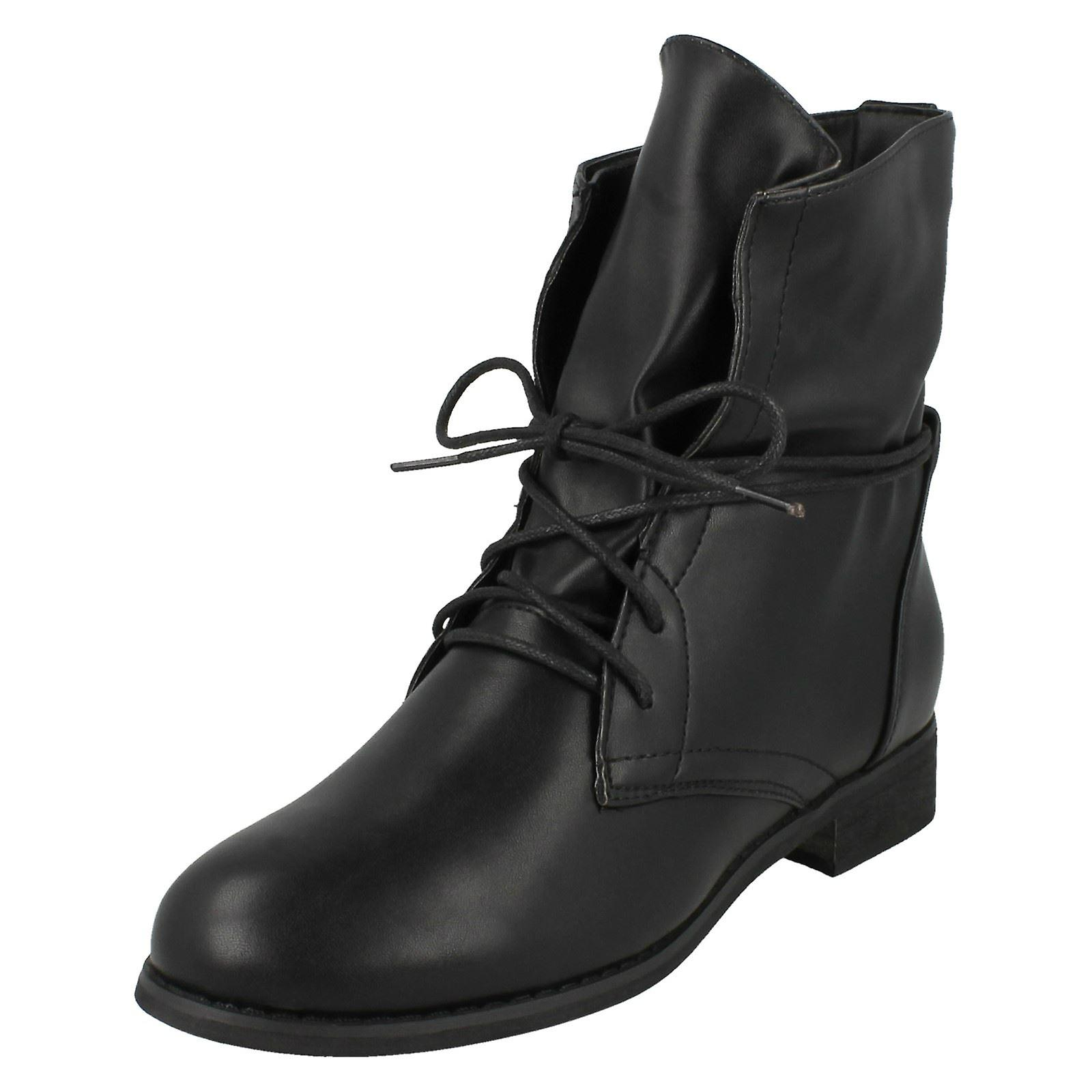 Ladies Spot On Low Heel Lace Up Ankle Boots Cu2tQ