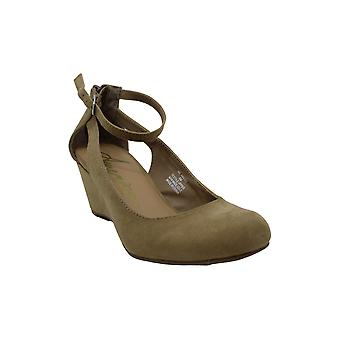 American Rag Womens Miley Closed Toe Ankle Strap Wedge Pumps