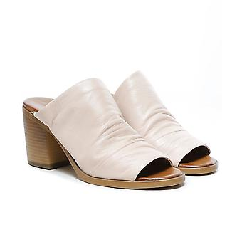 Inuovo Slouchy Leather Block Heel Mules